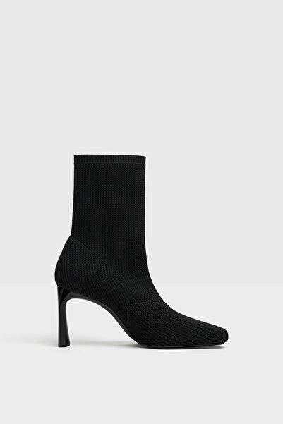 Bershka Kadın Siyah Topuklu Çorap Model Bilekte Bot