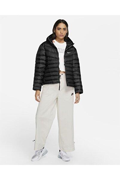 Nike Kadın Siyah Spor Mont Sportswear Windrunner