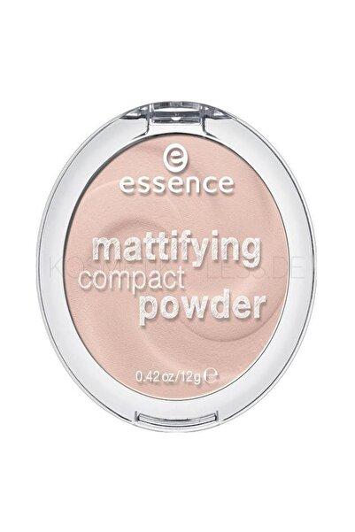 Essence Mattifying Compact Powder Pudra 10. Lıght Beıge Pudamsı Mat Cilt Sevenler Için Ideal Krem