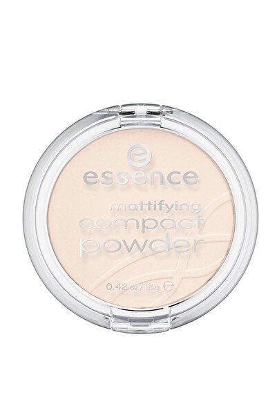 Essence Mattifying Compact Powder Pudra 11. Pastel Beıge Profesyonel Pudramsı Cilt Tonu Için Krem