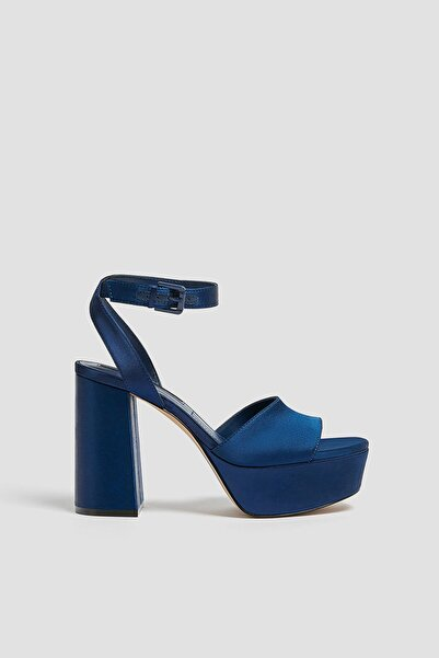 Pull & Bear Kadın Lacivert Saten Platform Topuklu Sandalet 11611640