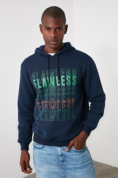 TRENDYOL MAN Lacivert Erkek Kapüşonlu Regular Fit Sweatshirt TMNAW21SW0695