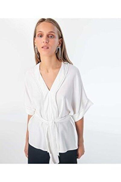 Kadın Kırık Beyaz Düşük Kol Bluz