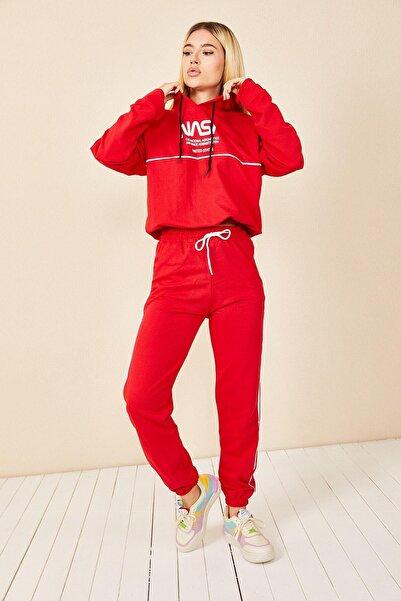 Morpile Kadın Kırmızı Kapüşonlu Bel Büzgülü Eşofman Takım