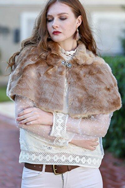 Chiccy Kadın Camel Vintage Kristal Taş Detaylı Broşlu Bebe Yaka Pelüş Bolero C30080000FL99683
