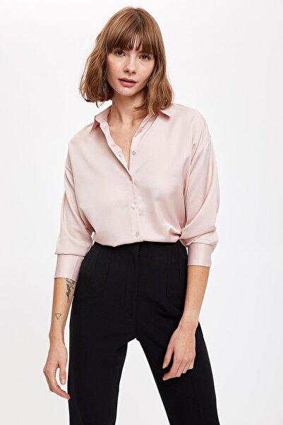DeFacto Kadın Rose Oversize Saten Gömlek S9257AZ20AU
