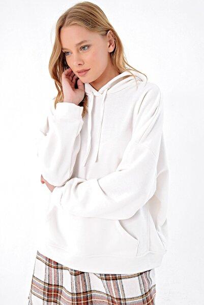 Trend Alaçatı Stili Kadın Ekru İçi Şardonlu Kanguru Cepli Kapşonlu Sweatshırt ALC-X4976
