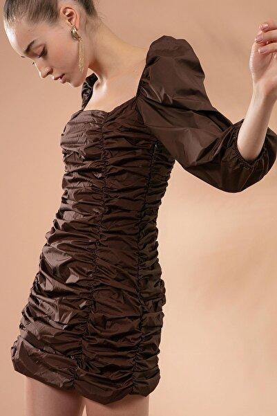 Y-London Kadın Kahve Büzgülü Kare Yaka Mini Elbise Y20W180-6279