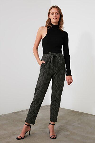TRENDYOLMİLLA Haki Bağlama Detaylı Örme Pantolon TWOAW21PL0490