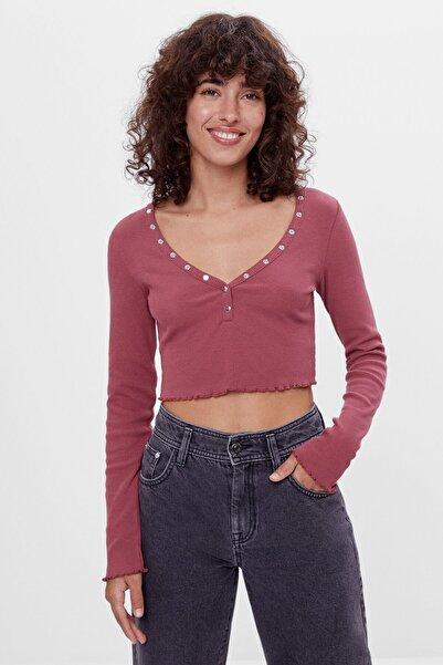 Bershka Kadın Nar Kırmızısı Çıtçıt Düğmeli T-Shirt 07367880