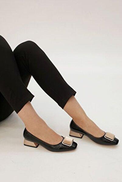 Kadın Siyah Rugan Tebra Topuklu Ayakkabı