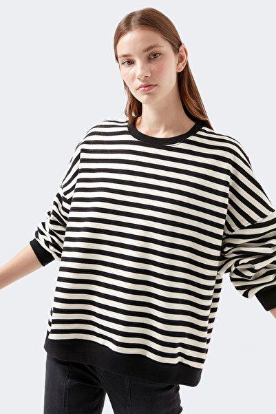 Mavi Kadın Çizgili Siyah Tişört 1600388-900
