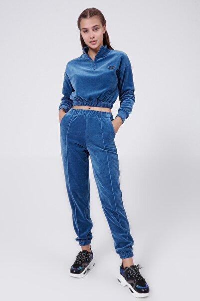 Y-London Kadın Mavi Nakışlı Crop Kadife Eşofman Takımı Y20W166-3977