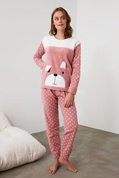 TRENDYOLMİLLA Pudra Nakışlı Wellsoft Pijama Takımı THMAW21PT0668