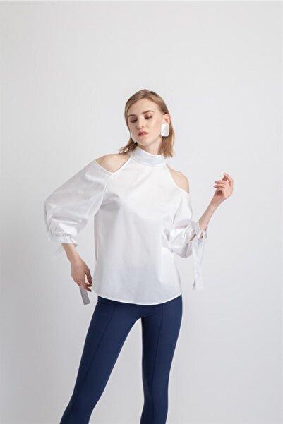 rue. Kadın Beyaz Balon Kol Omuz Dekolteli Gömlek