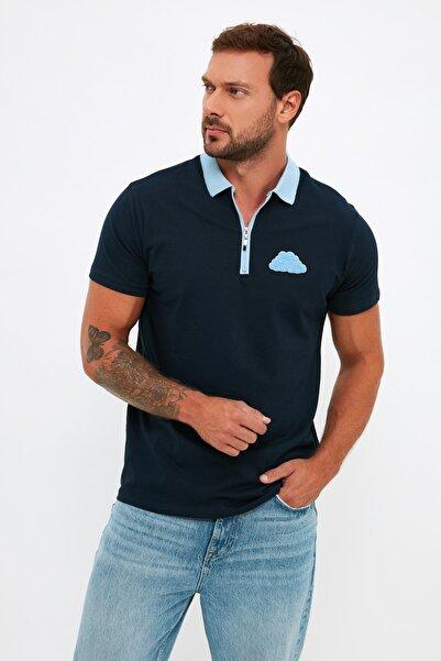 TRENDYOL MAN Lacivert Erkek Regular Fit Kısa Kollu Bulut Nakışlı Polo Yaka T-shirt TMNSS21PO0182