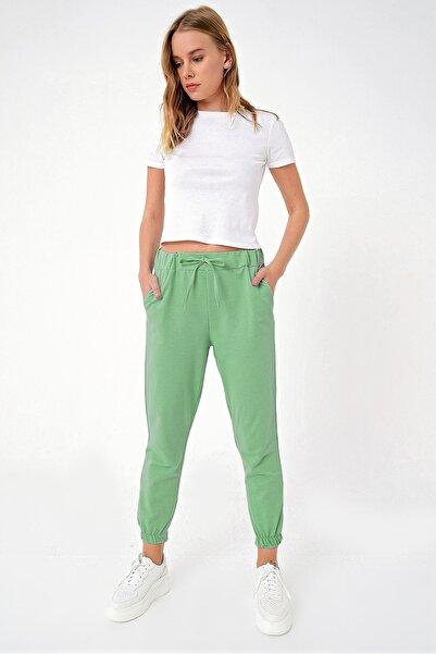 Trend Alaçatı Stili Kadın Yeşil Paçası Lastikli İki İplik Eşofman Altı