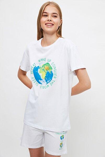 TRENDYOLMİLLA Beyaz Sloganlı Örme Pijama Takımı THMSS21PT1455