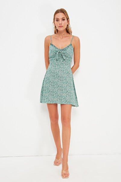 TRENDYOLMİLLA Yeşil Askılı Elbise TWOSS21EL3214