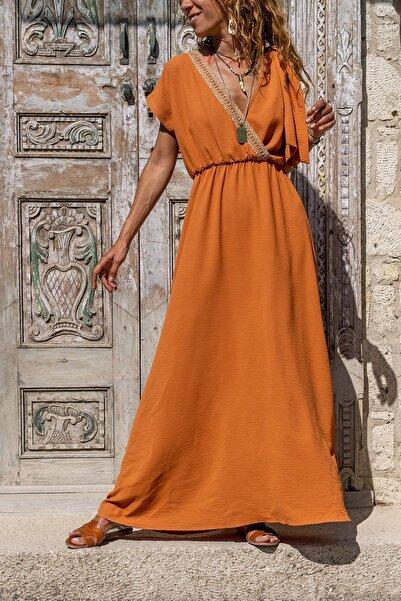 Güneşkızı Kadın Kiremit Airobin Omzu Tokalı Hasır Detaylı Beli Büzgülü Uzun Elbise GK-BST3127