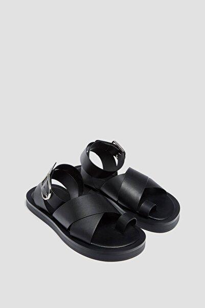 Pull & Bear Bantlı Düz Sandalet