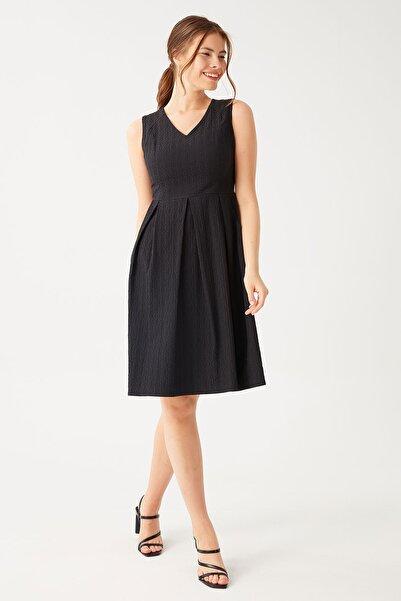 Chima Kadın Siyah Kolsuz Pilili Elbise