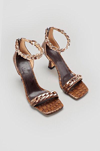 Limoya Hettie Kahve Zincir Detaylı Topuklu Ayakkabı