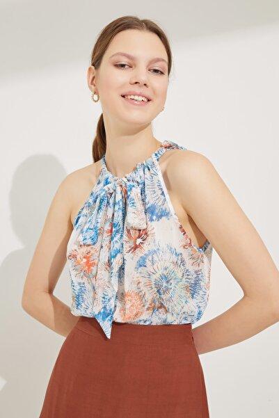 adL Kadın Emp.Coral Yakası Bağlamalı Desenli Kolsuz Bluz