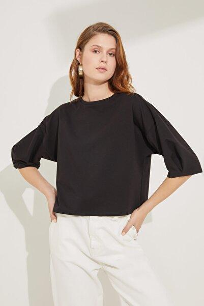 adL Kadın Siyah Kolları Pileli Crop Bluz