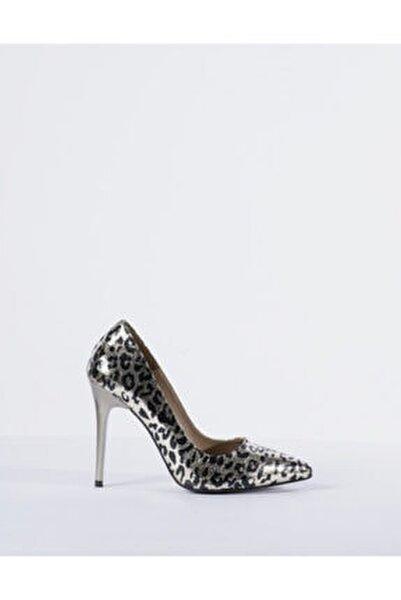 Kadın Gri Leopar Desen Topuklu Ayakkabı