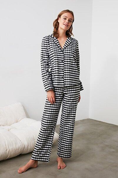 TRENDYOLMİLLA Siyah Ekoseli Dokuma Pijama Takımı THMAW21PT0437