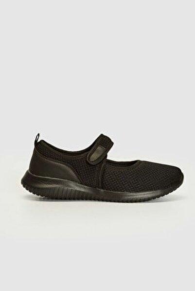 Kadın Siyah Aktif Spor Ayakkabı 0WFA41Z8