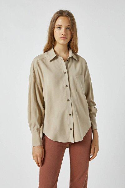 Pull & Bear Kadın Kum Rengi Manşet Detaylı Oversize Gömlek 09470347