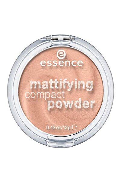 Essence Mattifying Compact Powder Pudra 04. Perfect Beıge Mat Cilt Tonu Için Krem