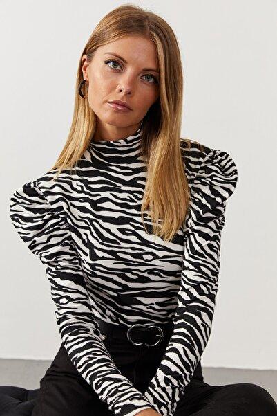 Cool & Sexy Kadın Siyah-Beyaz Balon Kol Zebra Desen Bluz EY1062