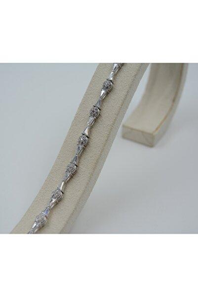 Swarovski Beyaz Zirkon Taşlı Üçgen Desenli 925 Ayar Gümüş Kadın Bileklik