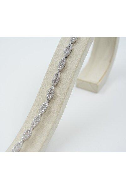 Swarovski Kadın 925 Ayar Gümüş Beyaz Zirkon Taşlı Damla Desenli Bileklik