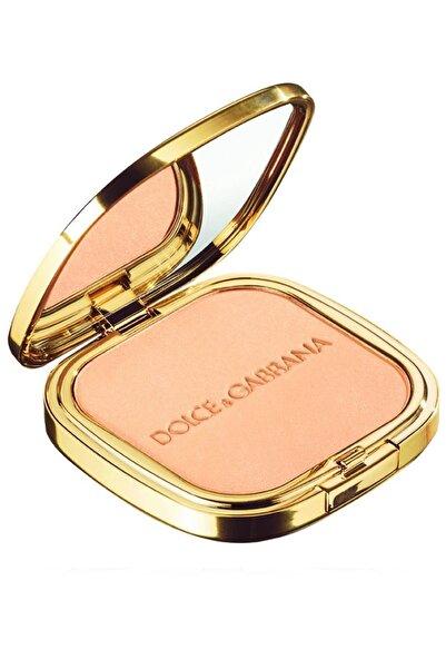 Dolce Gabbana Bej Glow Illuminating Powder 3 Eva Aydınlatıcı Pudra 737052445373