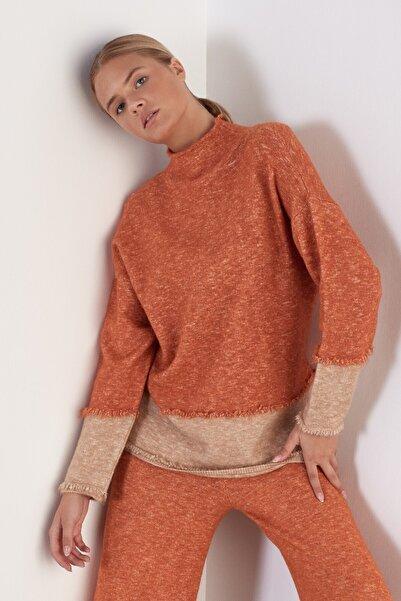 JOIN US Kadın Turuncu Dik Yaka Renkli Triko Kazak
