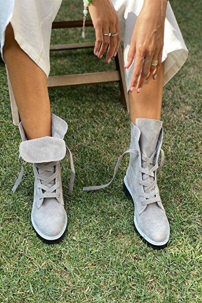 İnan Ayakkabı Kadın Gri Fermuarsız Kalın Bağcık Detaylı Bot