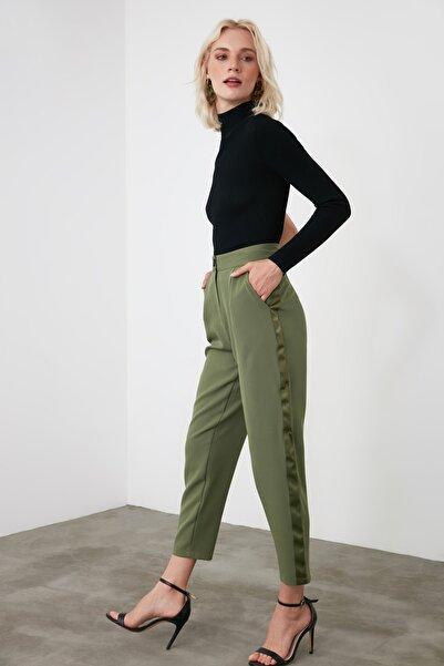 TRENDYOLMİLLA Yeşil Basic Pantolon TWOAW21PL0296