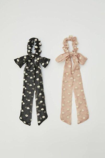 Pull & Bear Kadın Siyah Çiçek Desenli Fular Şeklinde Saç LastiğiPaketi 09951302