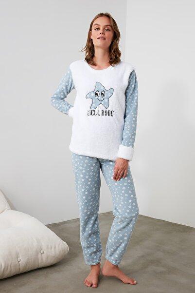 TRENDYOLMİLLA Gri Yıldız Nakışlı Wellsoft Pijama Takımı THMAW21PT0259