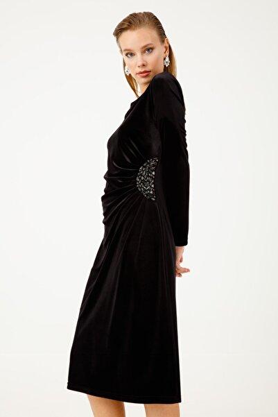 Ekol Kadın Siyah Taş İşlemeli Kadife Elbise