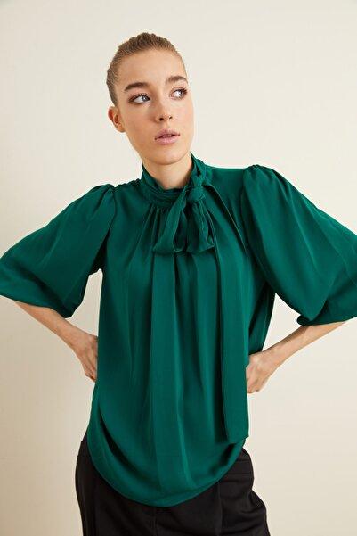 adL Kadın Yeşil Yakası Büzgülü Fularlı Bluz