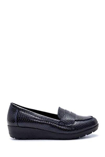 Kadın Lacivert Yılan Derisi Desenli Ayakkabı