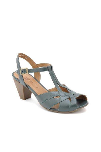 Beta Kadın Hakiki Deri Yeşil Topuklu Sandalet