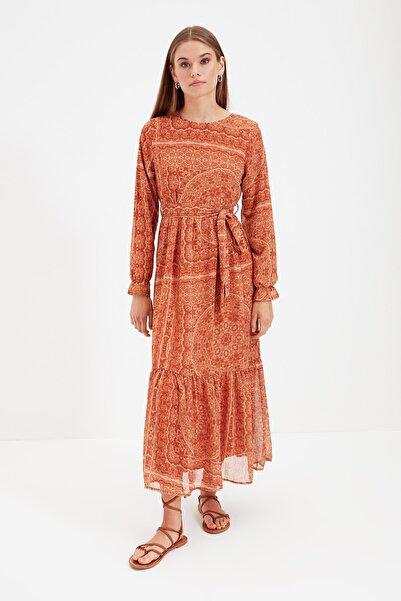 Trendyol Modest Taba Basklı Kuşaklı Tesettür Elbise TCTSS21EB0017