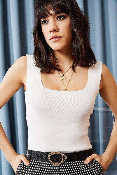 Luna Carina Kadın Beyaz Kalın Askılı Kare Yaka Crop Bluz