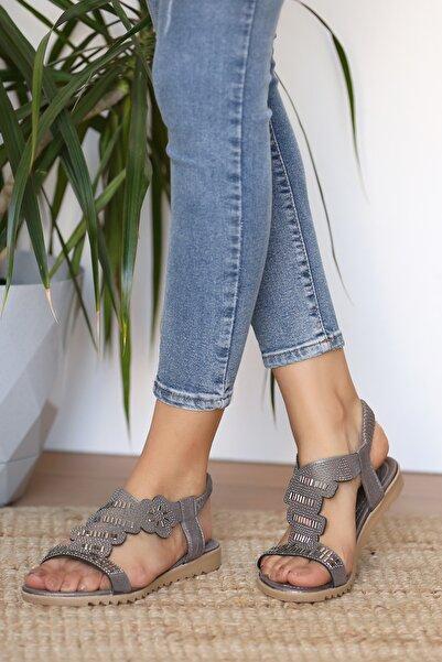 Pembe Potin Kadın Platin Sandalet